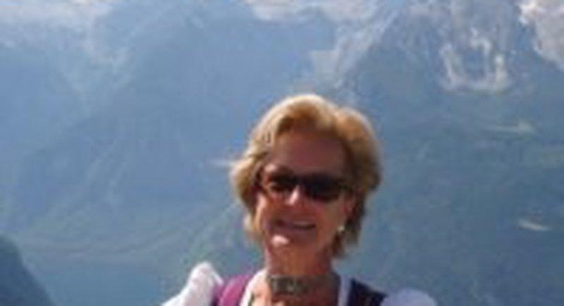 Gabi Frost Salzburg Walk